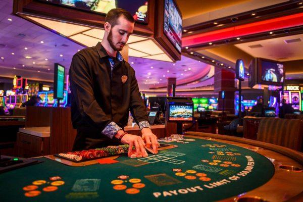 How to Avail the Perfect Casino Experience